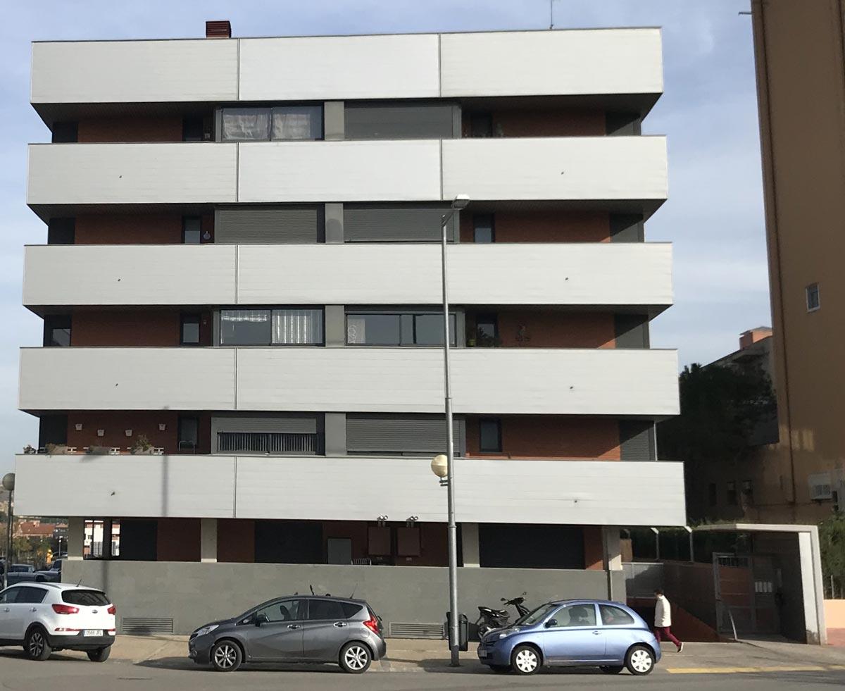 Comprar piso en Fraga Fachada Edificio LO MOLI I de Fraga