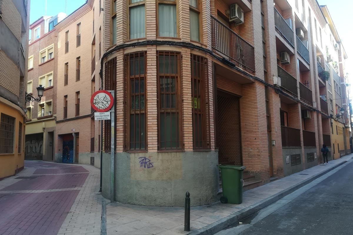 Local en alquiler Zaragoza Calle La Torre